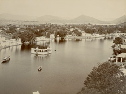 City and the lake, Udaipur 101215